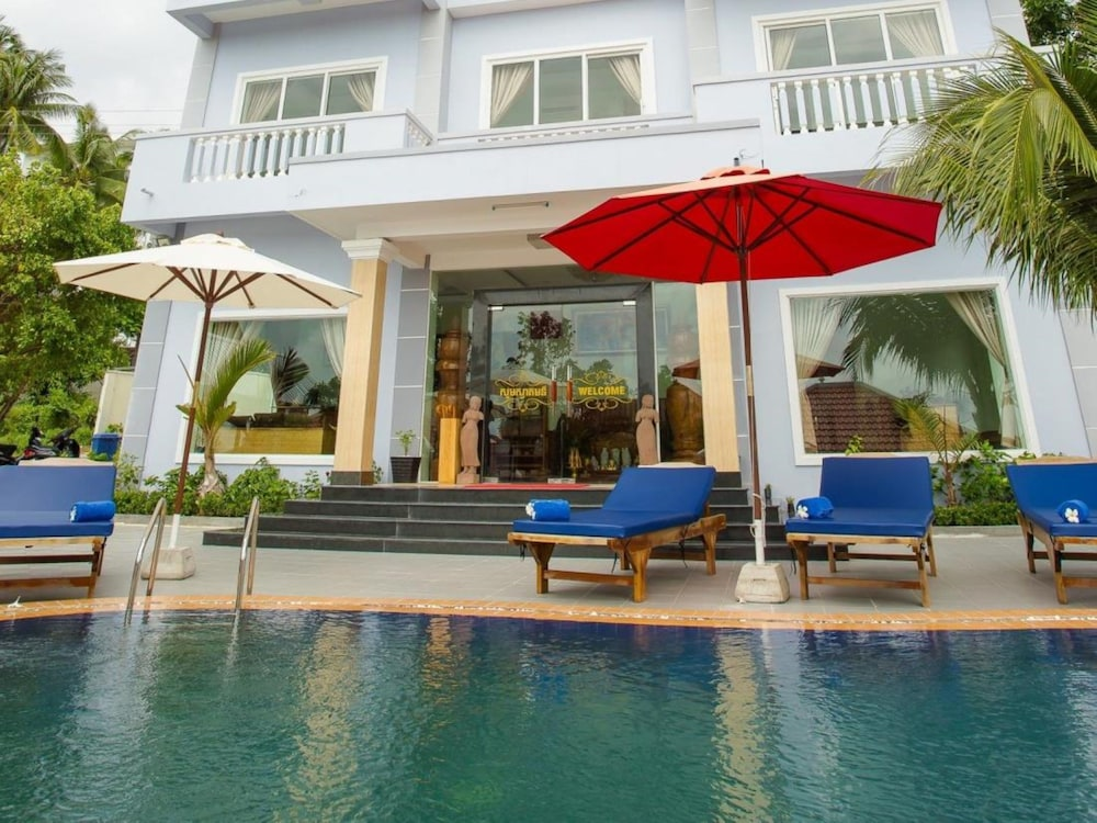 Sea view boutique hotel reviews photos rates for Boutique hotel view