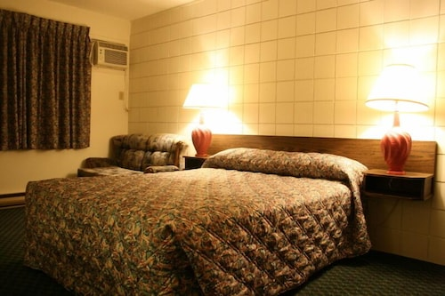 Check Expedia for Availability of Best Continental Motel
