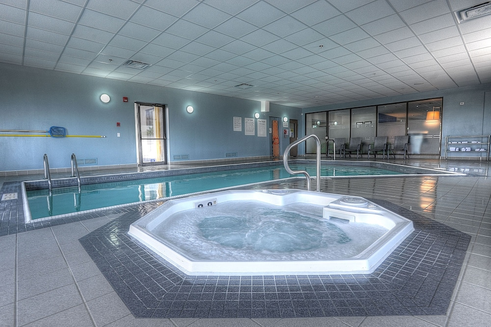 Indoor Pool, Holiday Inn Express & Suites Toronto Airport West