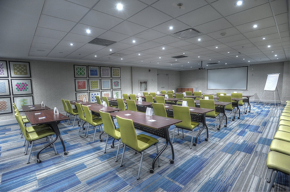 Meeting Facility, Holiday Inn Express & Suites Toronto Airport West