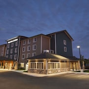 Days Inn & Suites by Wyndham Lindsay