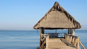 Playa privada, tumbonas, toallas de playa y masajes en la playa