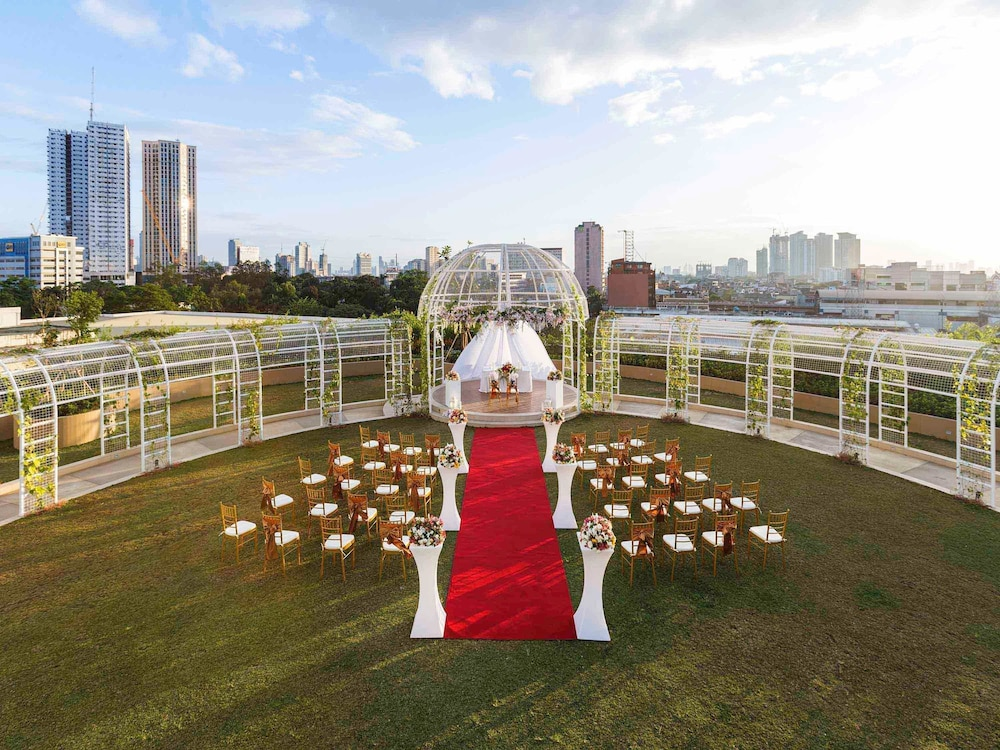 Outdoor Wedding Area, Novotel Manila Araneta City Hotel