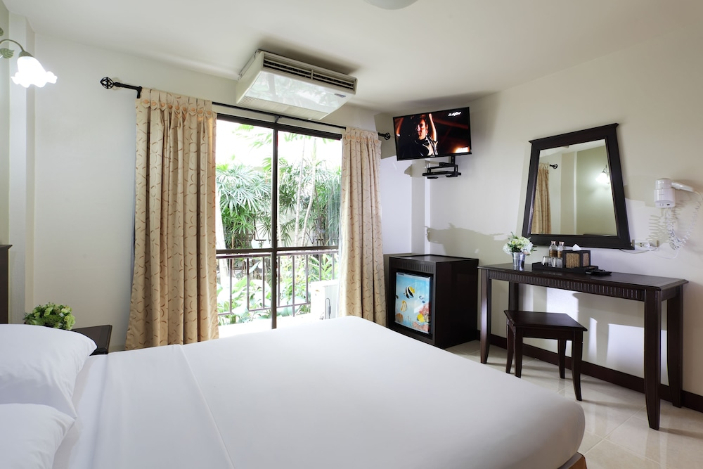 Room Amenity, Rambuttri Village Inn & Plaza