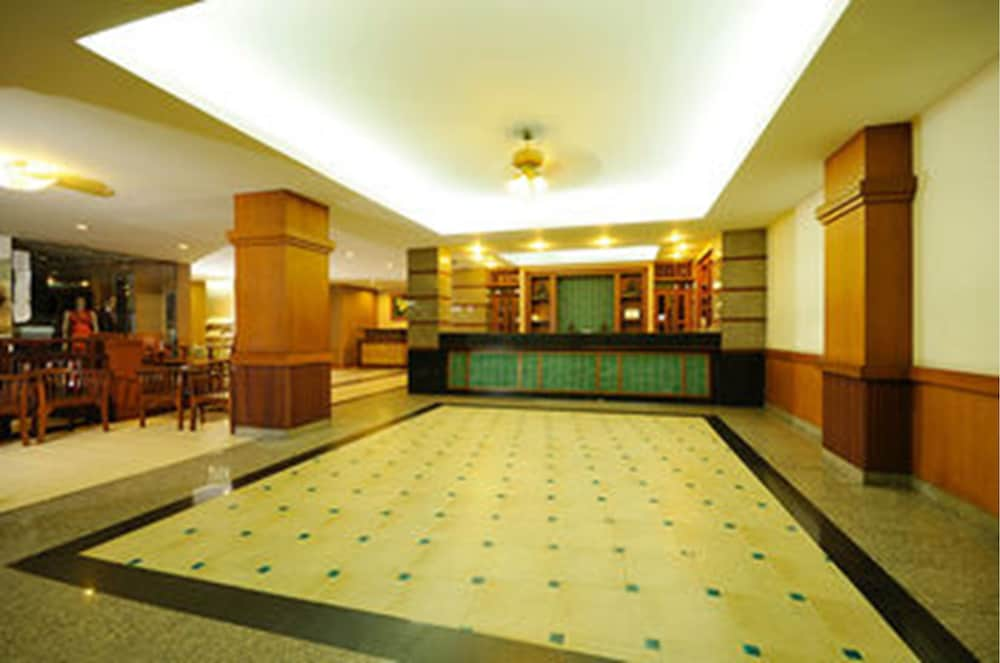 Lobby, Rambuttri Village Inn & Plaza