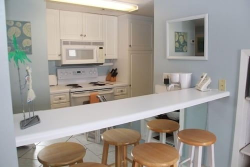 Private Kitchen, Sugar Beach by Sugar Sands Realty