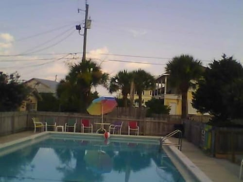 Outdoor Pool, Sun-n-Sands Motel