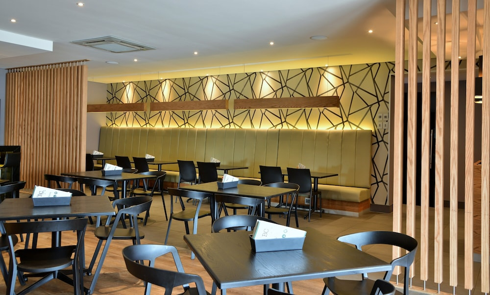 Coffee Shop, Birchwood Hotel and OR Tambo Conference Centre