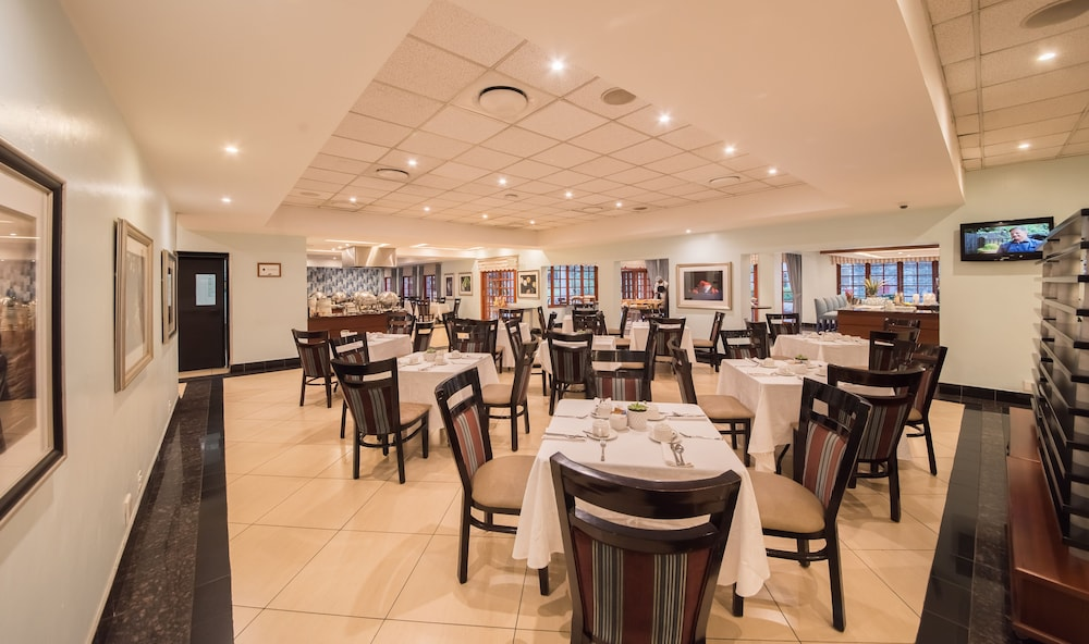 Breakfast Area, Birchwood Hotel and OR Tambo Conference Centre