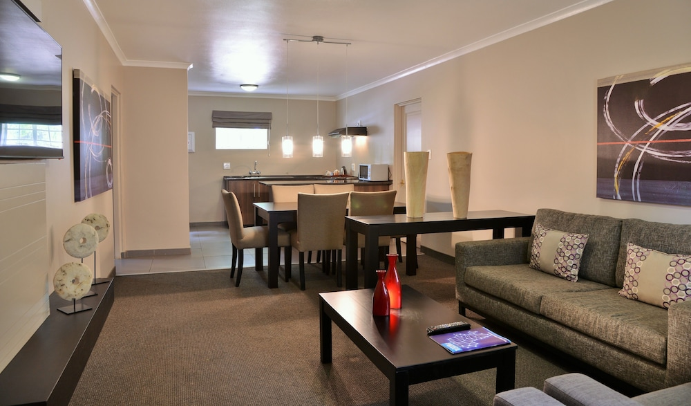 Living Area, Birchwood Hotel and OR Tambo Conference Centre