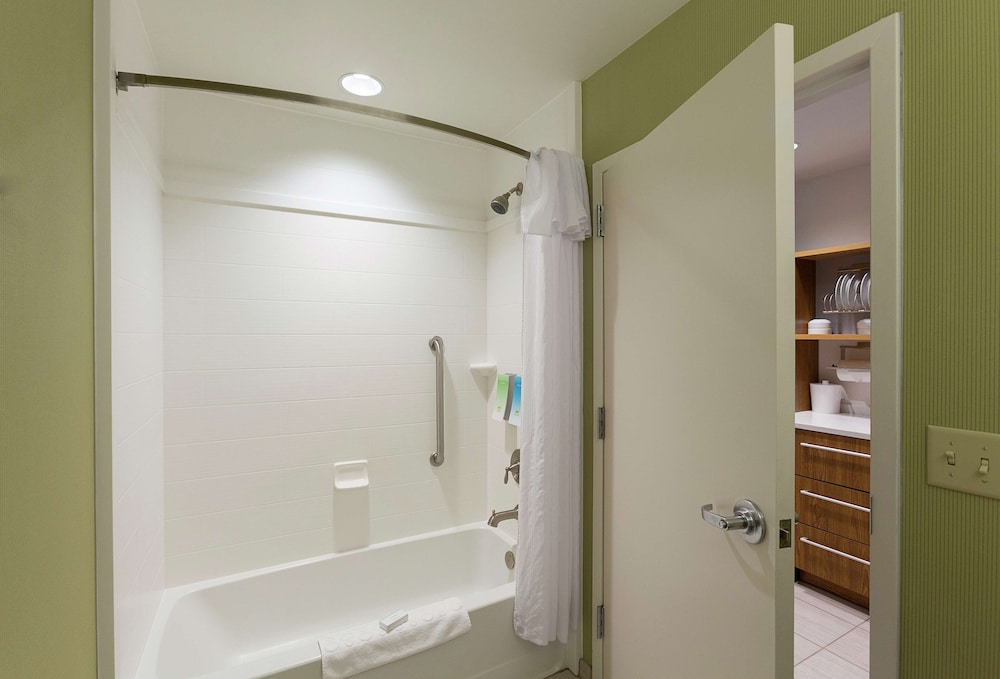 Bathroom, Home2 Suites by Hilton Greenville Airport