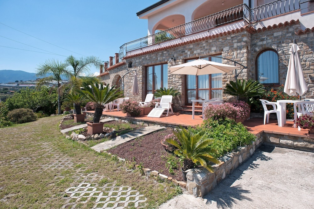 Le Terrazze Appartamenti Vacanze Deals & Reviews 2018 (Sanremo ...