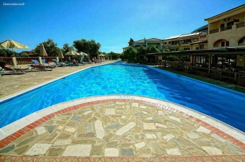 Pool, Kampos Village Resort