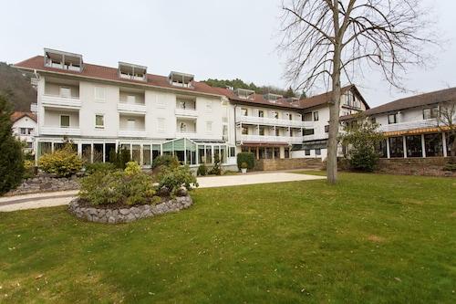 Cheap Hotels In Windstein Find C 111 Hotel Deals Travelocity