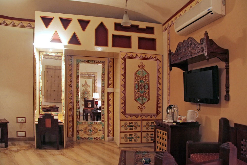 Room, Chokhi Dhani Resort Jaipur