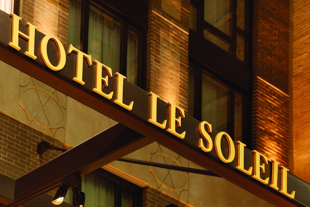 Exterior detail, Executive Hotel Le Soleil New York