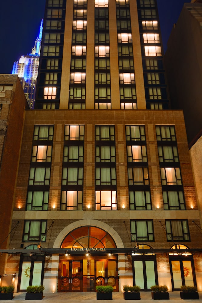 Front of Property - Evening/Night, Executive Hotel Le Soleil New York