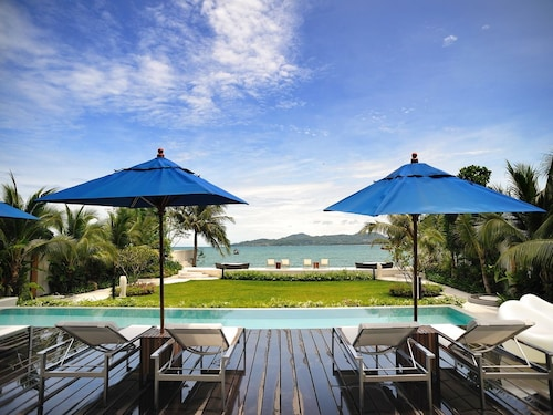 Beachfront Phuket (THA 10963186 4.7) photo