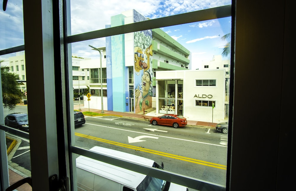 Collins Avenue By Yourent Vacations Deals Reviews Miami Beach Usa Wotif