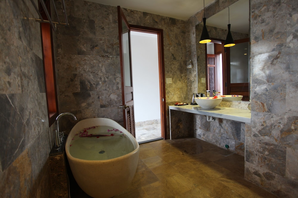 Bathroom, Hoi An River Palm Hotel