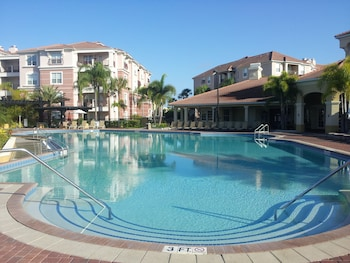 Vista Cay by Orlando Resort Rentals on Universal Boulevard