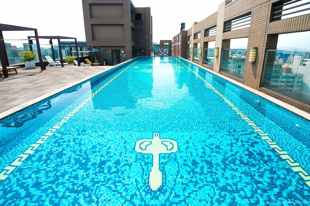 Rooftop Pool, CK Serviced Residence