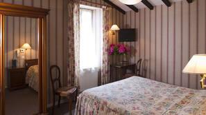 Coffre-forts dans les chambres, bureau, lits bébé (gratuits)