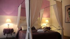 Premium bedding, desk, free WiFi, linens