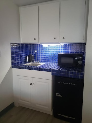 Private Kitchenette, Sands of Treasure Island