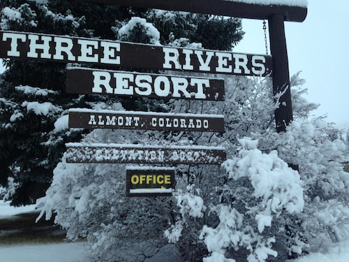 Check Expedia for Availability of Three Rivers Resort