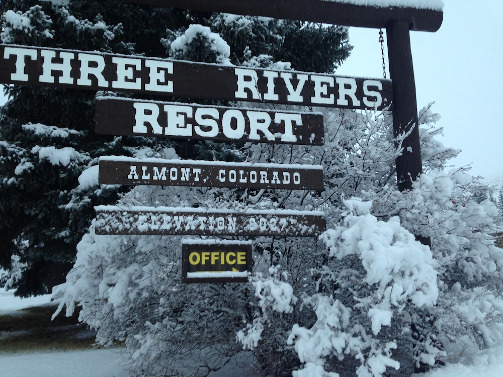 Featured Image, Three Rivers Resort