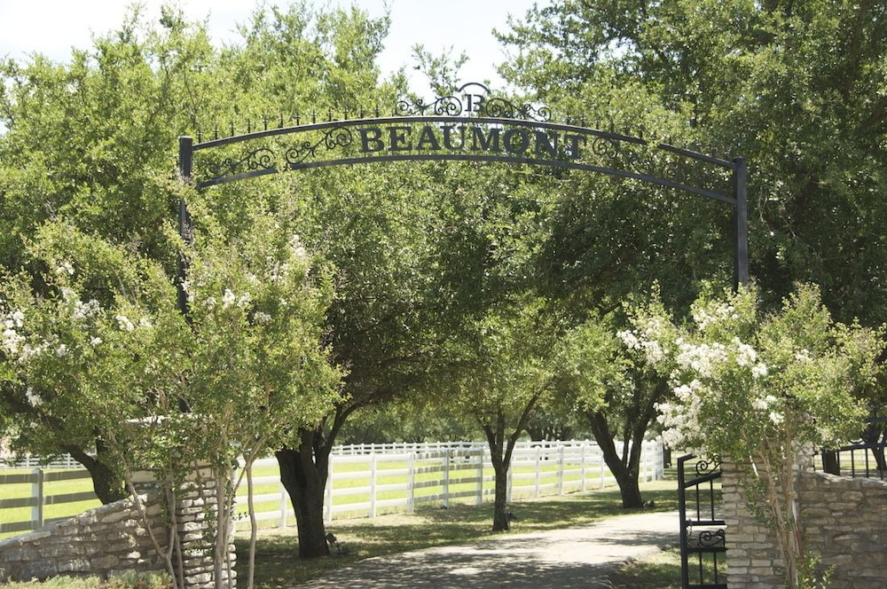 Property Grounds, Beaumont Ranch