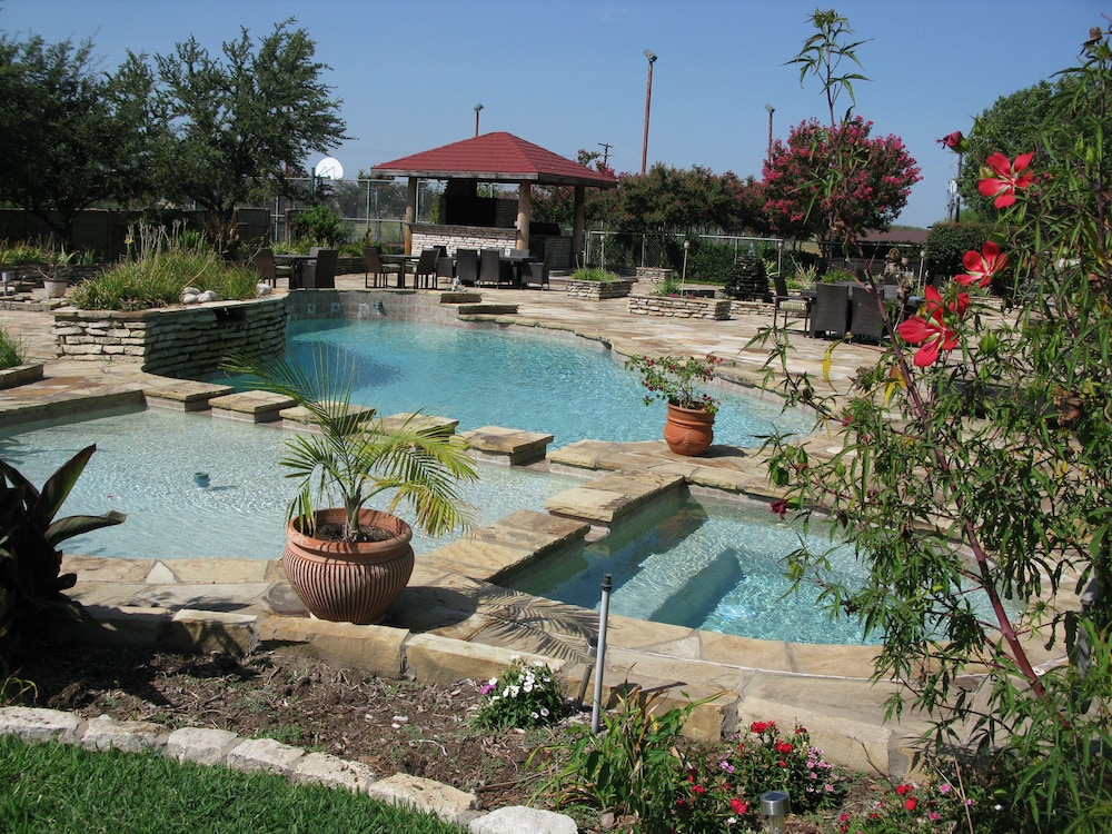 Outdoor Pool, Beaumont Ranch