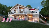 N' This on the Bay - Wiarton Hotels
