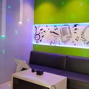 Ruang Karaoke