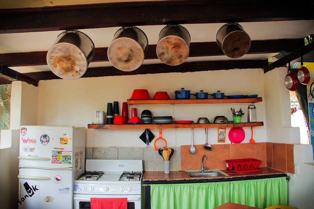 Private Kitchenette, Pura Vida Hostel