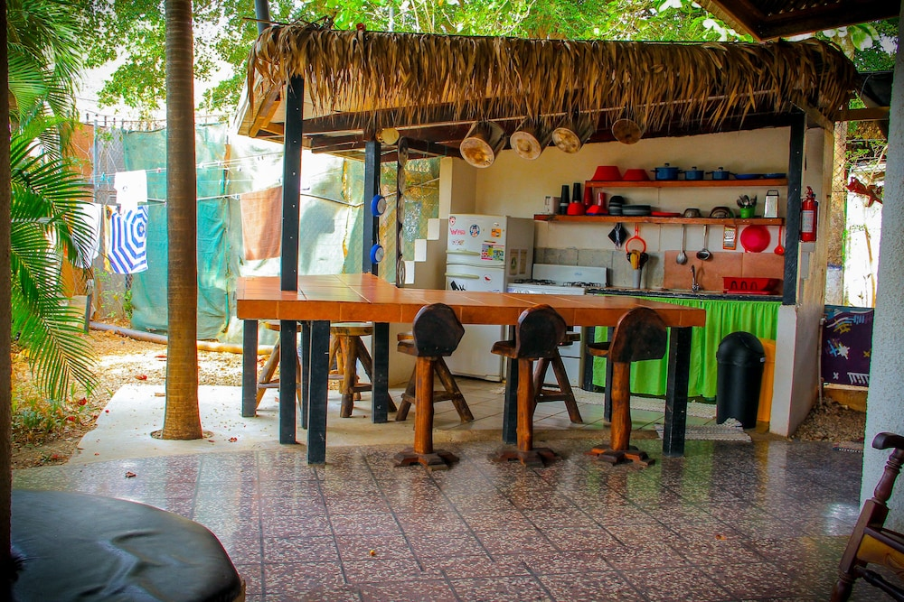 Breakfast Area, Pura Vida Hostel