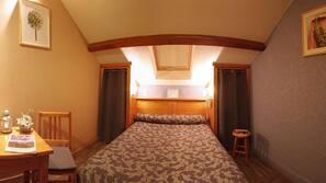 Bureau, chambres insonorisées, lits bébé (gratuits)