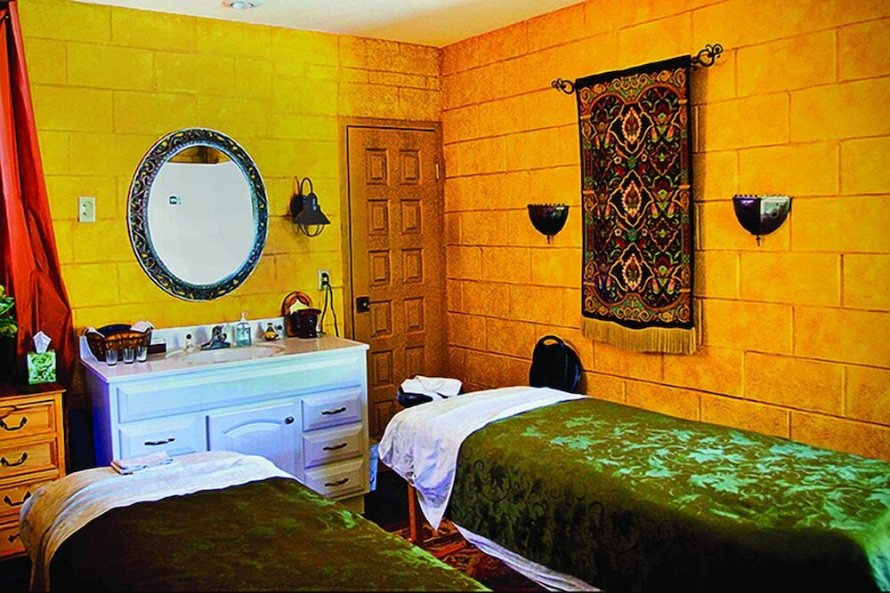 Massage, Inn on Crescent Lake Bed and Breakfast