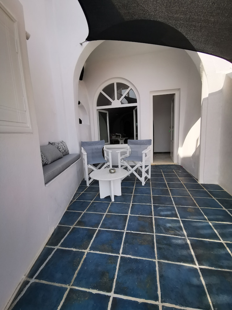 Terrace/Patio, Zenith Blue