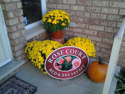 Rose Court Bed & Breakfast