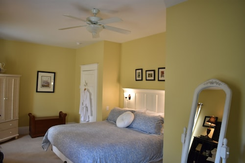 Great Place to stay King George Bed & Breakfast near Miramichi
