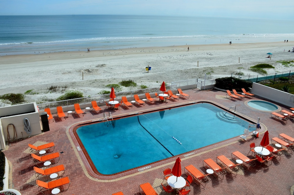 Outdoor Pool, Best Western Plus Daytona Inn Seabreeze Oceanfront