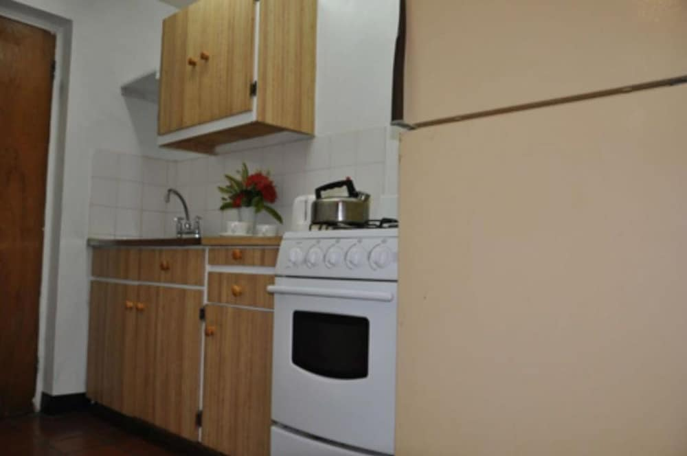 Private Kitchen, Carib Blue Apartments