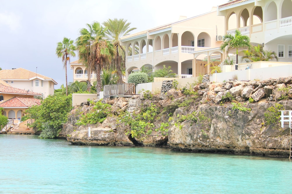 Curacao Luxury Holiday Rentals 3.5 Out Of 5.0
