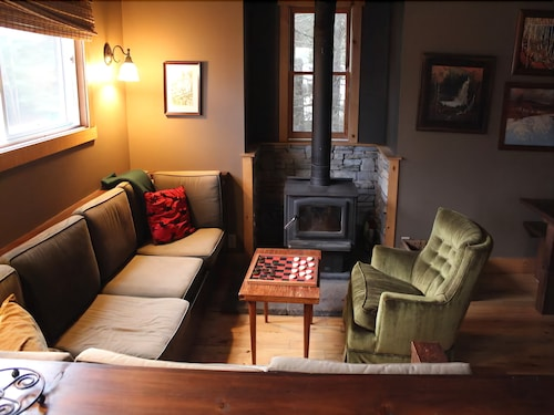 Living Room, Algonquin Cottage Outpost