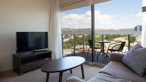 2 bedrooms, premium bedding, down duvet, Select Comfort beds