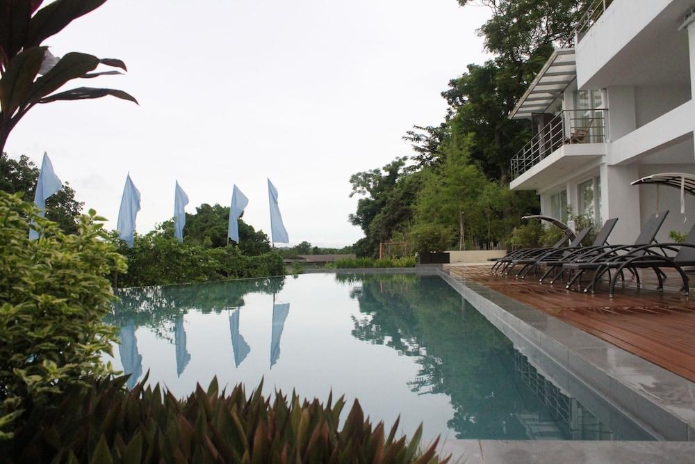 Hotels In Tagbilaran With Pool