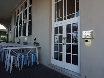 178 Campbell Parade, Bondi Beach NSW 2026, Australia.