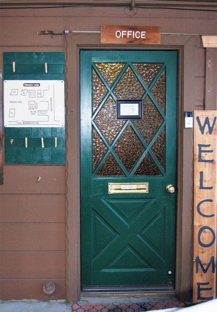 Interior Entrance, Edelweiss Lodge
